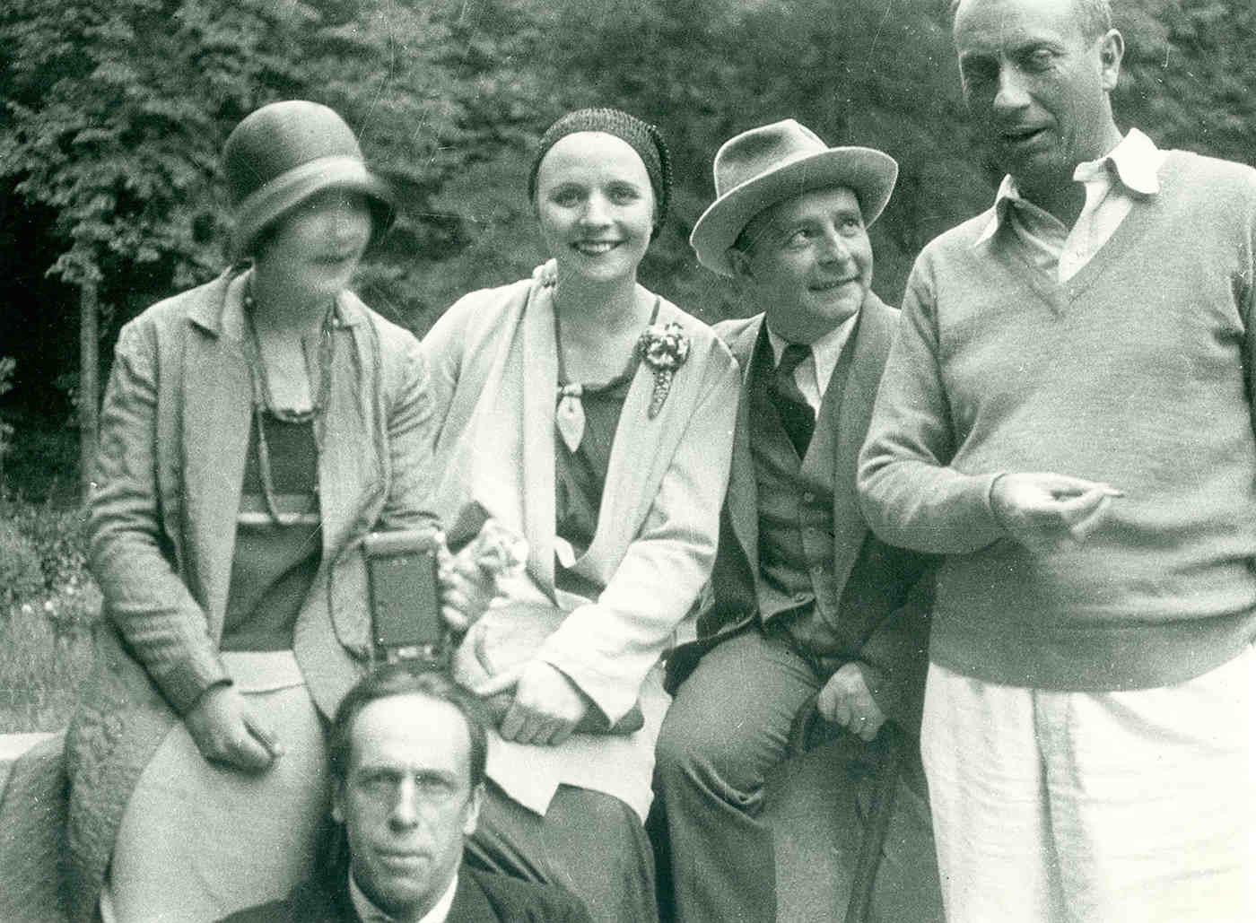 Steffi Kiesler, Theo van Doesburg, Nelly van Doesburg, Frederick Kiesler and Hans Arp, Clamart, 1930