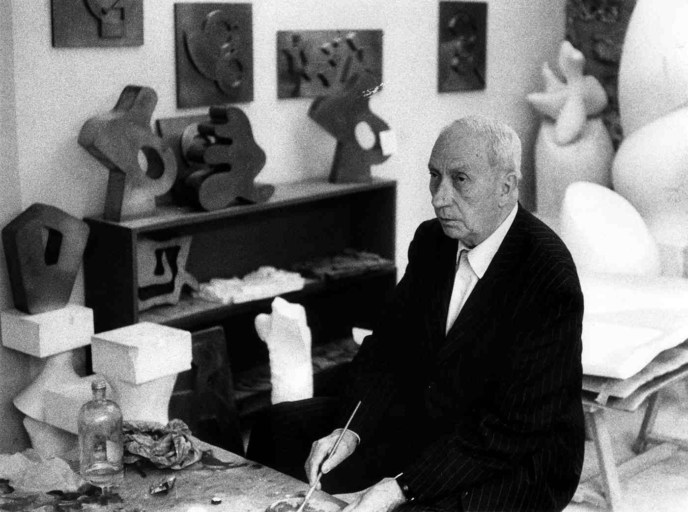 Hans Arp in his studio in Clamart, c. 1960 (Photograph: Etienne B. Weil)