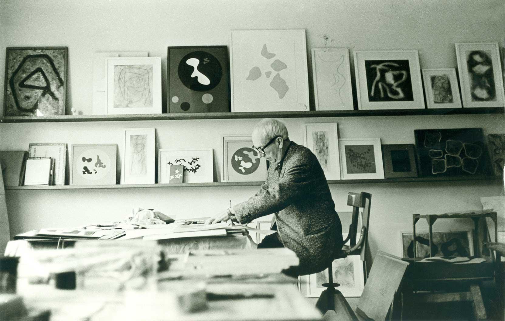 Hans Arp in his studio in Clamart, c. 1962 (Photograph: André Morain)