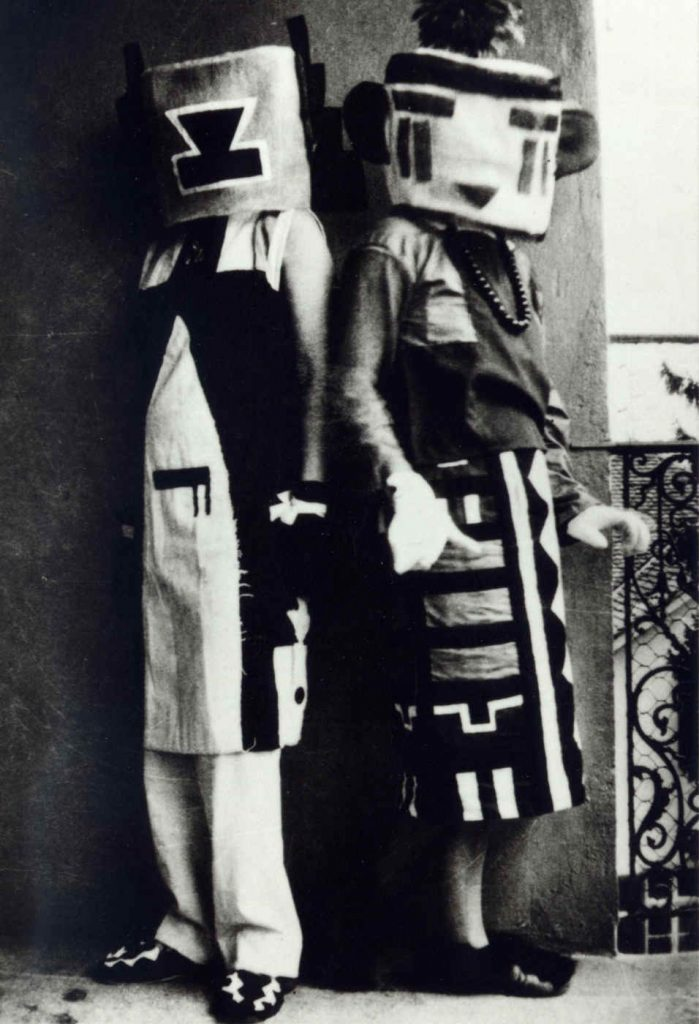 Sophie Taeuber and her sister Erika Schlegel in Hopi-costumes designed by Taeuber, around 1925