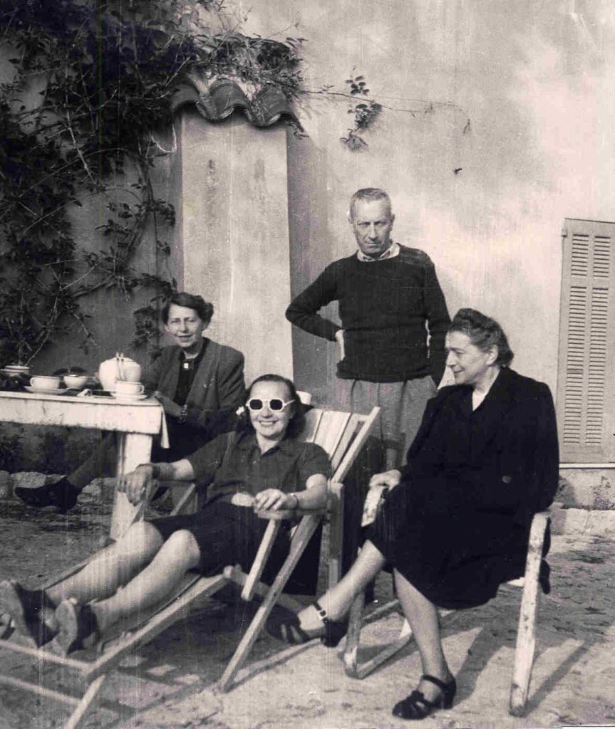 Sophie Taeuber-Arp, Nelly van Doesburg, Hans Arp and Sonia Delaunayat the Chateau Folie, Grasse, 1941