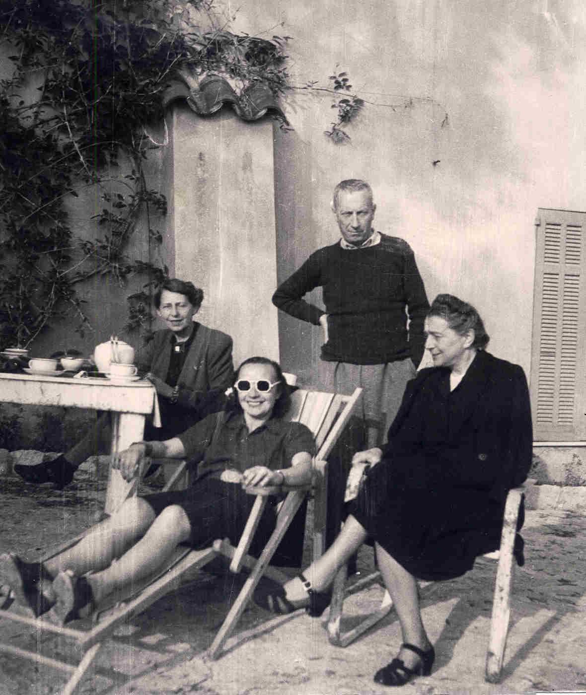 Sophie Taeuber-Arp, Nelly van Doesburg, Hans Arp und Sonia Delaunay, Grasse 1941