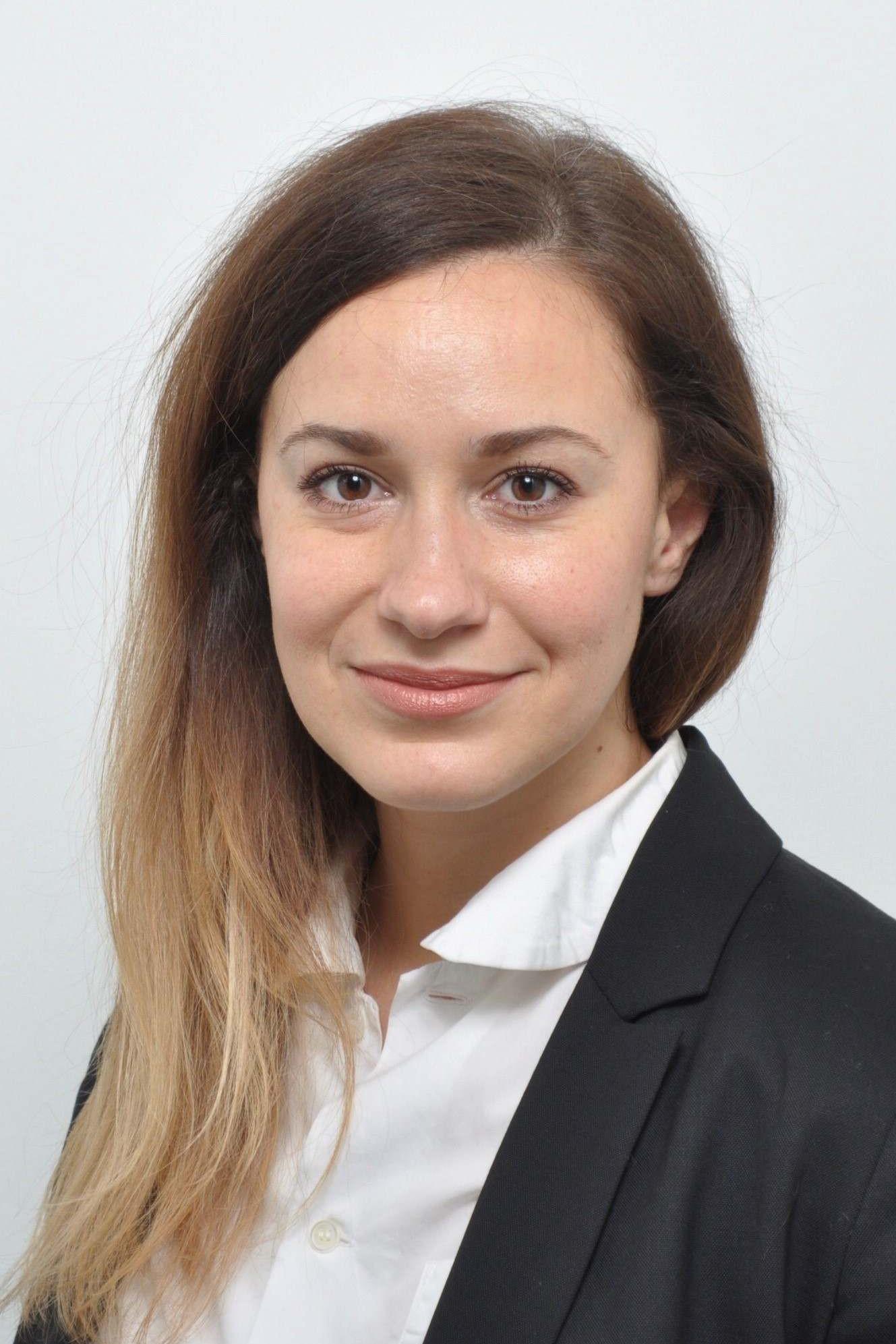 Stipendtiatin DR. ALICE ENSABELLA